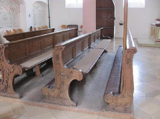 St. Leonhard: church benches
