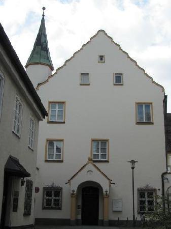 Das Rathaus: 4