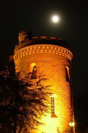 Dalhousie Castle: Dalhouses tårn by night