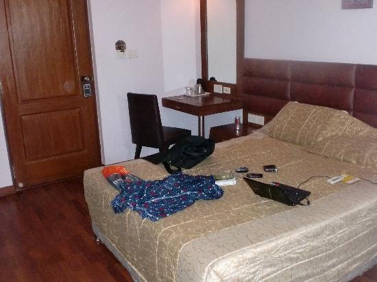Ocea International Hotel: the bed