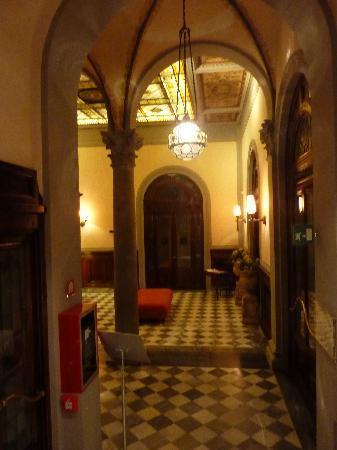 NH Collection Firenze Porta Rossa: hall d'entrée
