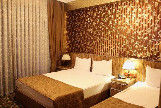 """Best Town Hotel: Наш шикарный """"золотой"""" номер."""