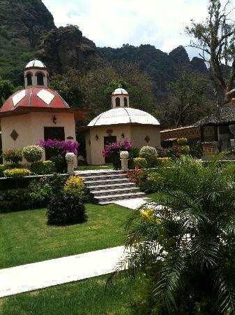 La Buena Vibra Retreat & Spa: massage huts