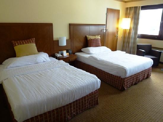 โรงแรม ฮิลตัน อินน์ซบรุค: ヒルトン系のベッドはどこでも快適