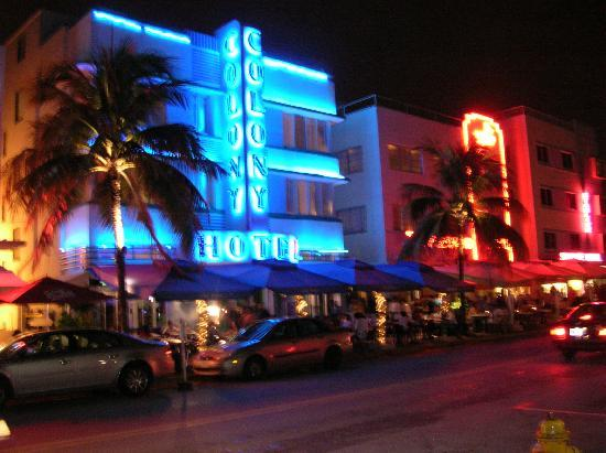 Miami, Flórida: Ocean Drive By Night