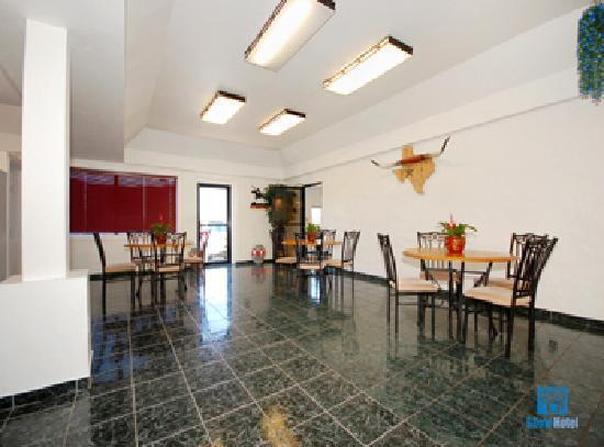Best Western Johnson City Inn: Breakfast Sitting area