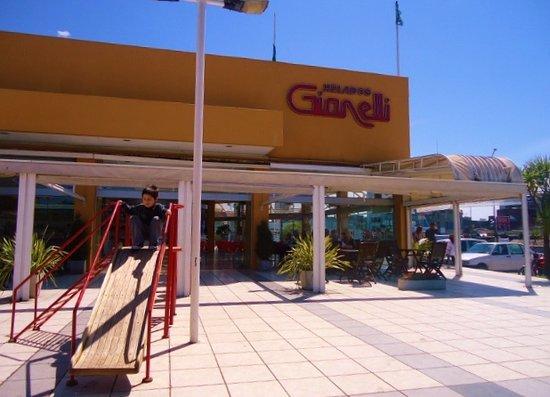 Heladeria Gianelli: Heladería Gianelli -Puerto.