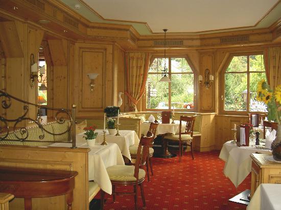 Hotel Thomahof : eine gemütliche Ecke im Speisesaal