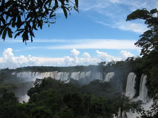 Meliá Iguazú: short walk from hotel