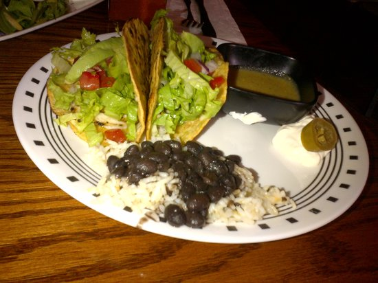 Raul's Mexican Grill : Fish tacos with rice and beans
