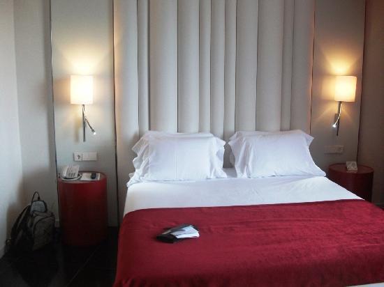 โรงแรมปอร์ต้า ฟิร่า: ROOM