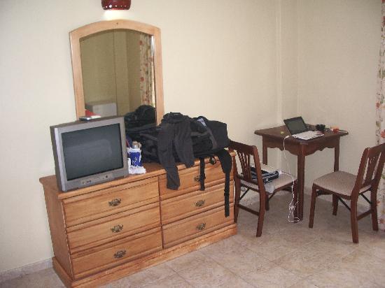 Bavaro Punta Cana Hotel Flamboyan: mobile con tiretti