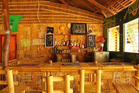Bamboo Garden Bar and Lodging: Food and Drinks available