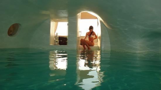 Art Maisons Luxury Santorini Hotels Aspaki & Oia Castle: The pool