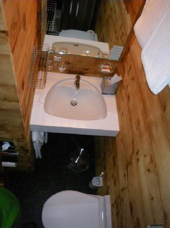 Hotel Restorant Lej da Staz: WC/Dusche von Zimmer Nr. 4