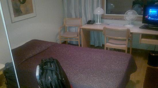 Hotel Rantapuisto: Single room BIG bed