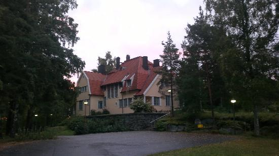 Hotel Rantapuisto: Original Villa in the Park (no rooms there!)