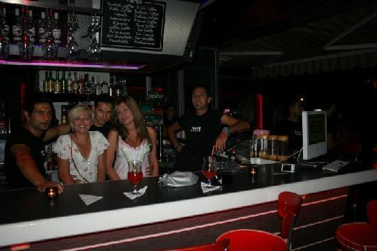 Vamos Beach: With the bar men