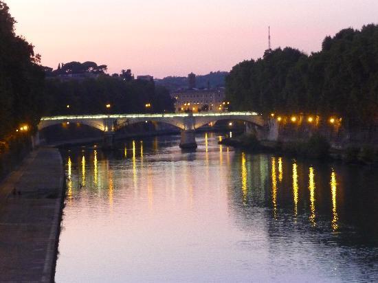 Trastevere : tiber desde el puente sisto
