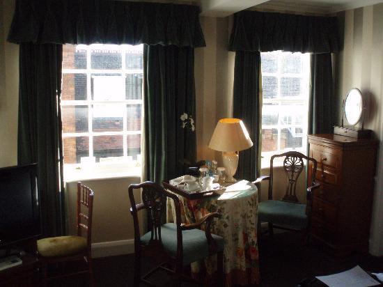 Searcy's Roof Garden Rooms: Mesa de desayuno