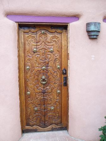 The Territorial House: Front door to paradise