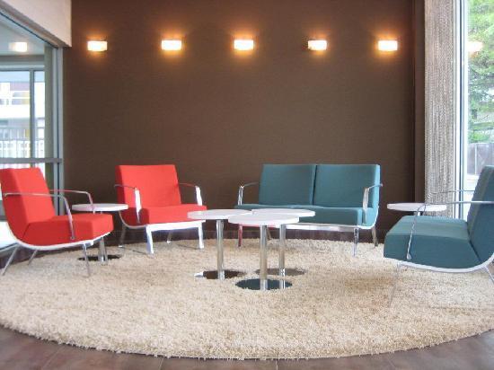 Ramada Rockville Centre: Lobby