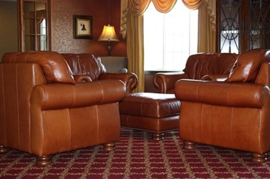 Town & Country Inn and Suites Quincy: Our East Lobby has comfy chairs