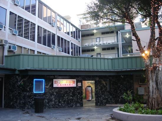 Kuhio Banyan Club : kuhio Banyan courtyard
