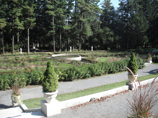 Yaddo gardens saratoga springs all you need to know for Luxury hotels in saratoga springs ny