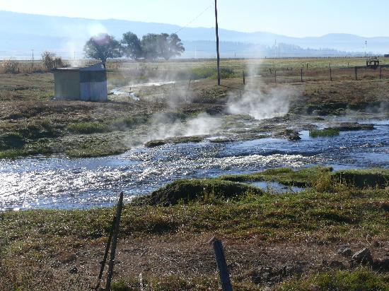 Zims Hot Springs: scene on way to Zims