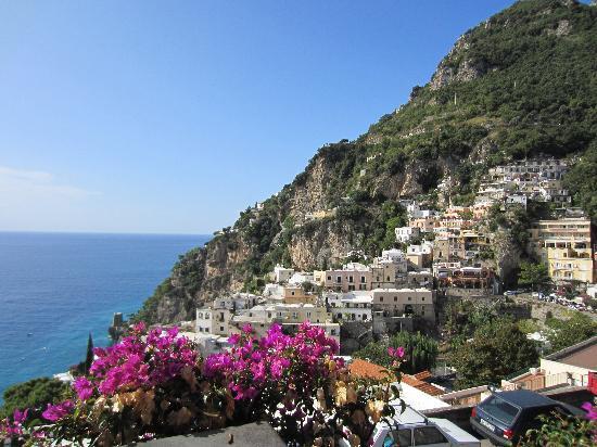 โรงแรมปาซิที: View from our terrace