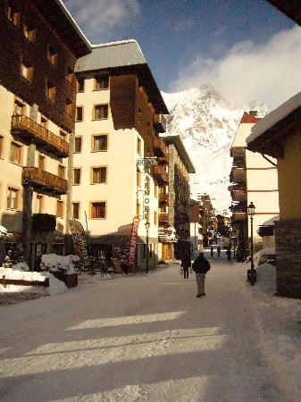 Hotel marmore breuil cervinia italy reviews photos for Hotel meuble gorret