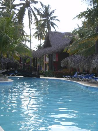 Tropical Princess Beach Resort & Spa: vu sur la piscine la plus jolie