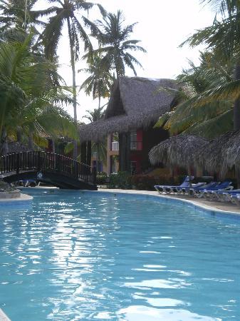 Tropical Princess Beach Resort & Spa: vu sur la piscine la plus jolie