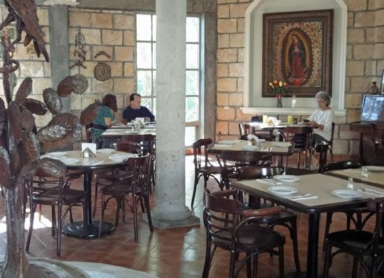 El Mexikanissimo : The restaurant interior.