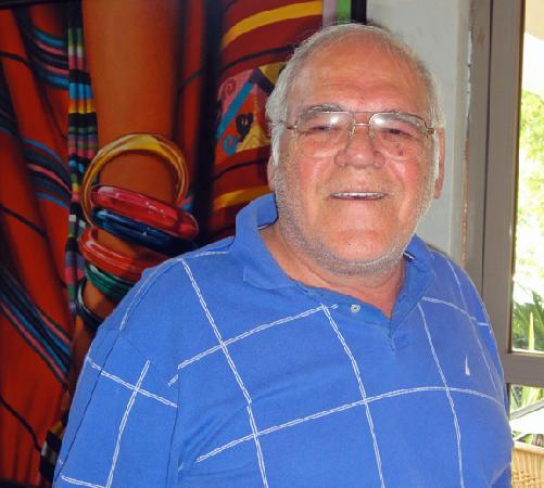 El Mexikanissimo : Jovial proprietor C.P. Jose de Jesus Jaubert Davila.