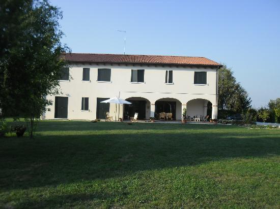 Agriturismo Ai Carpini: beautiful house and property