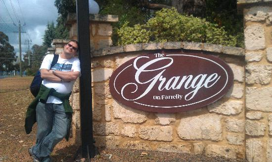 Grange on Farrelly: Waiting out the front for our tour bus