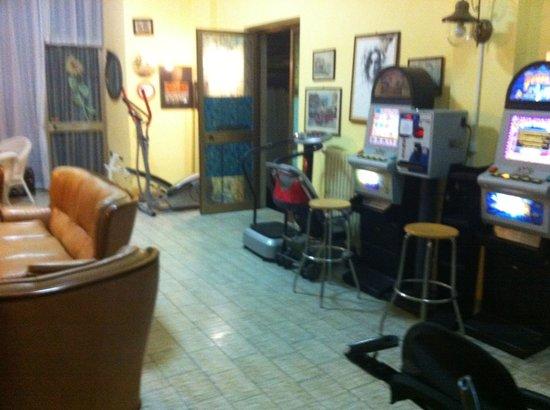 "Hotel Colombo: La ""sala fitness e giochi"""