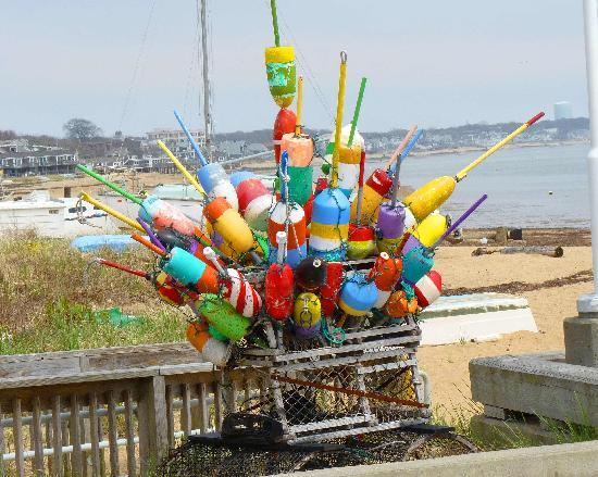 Midway Motel: Buoys on Pier in Provincetown