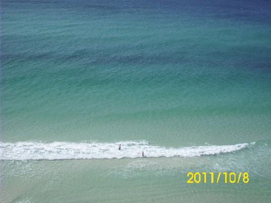 Splash Resort Condominiums Panama City Beach: View of beach from 8th floor.
