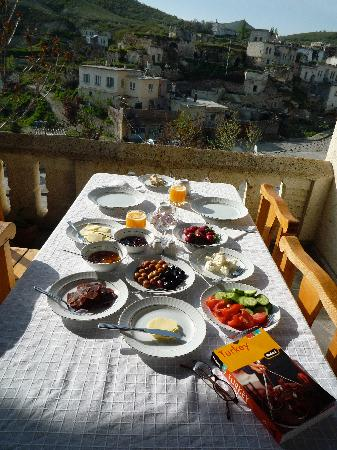 Aravan Evi Boutique Hotel: breakfast