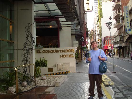 El Conquistador Hotel: Standing in Front Before Departure