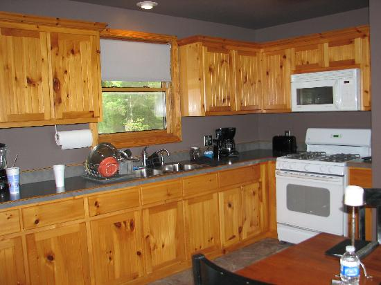 Beaver Lakefront Cabins: kitchen
