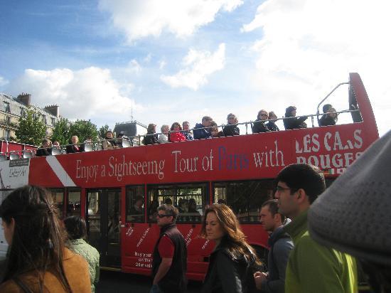 Big Bus Paris: The Bus on its Route