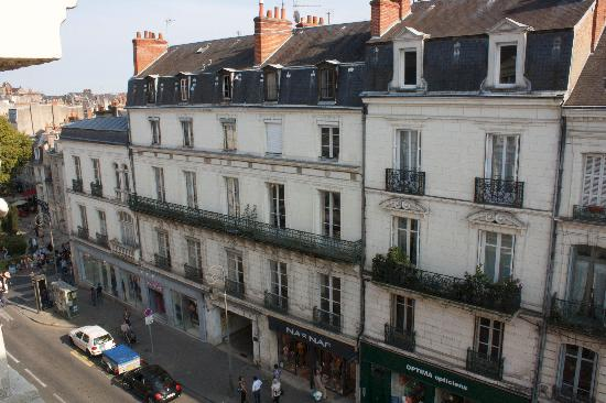 Ibis Blois Centre Chateau : ... view of a main street and pedestrian street.