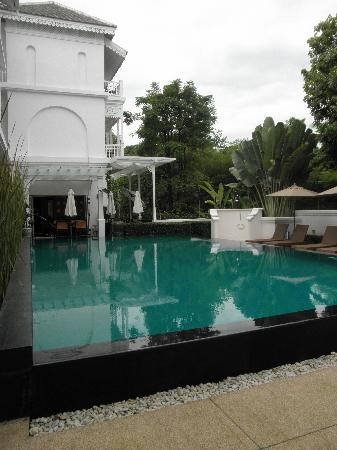 Ping Nakara Boutique Hotel & Spa: Pool and breakfast area