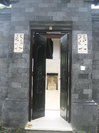 The Ulin Villas & Spa: Our front door