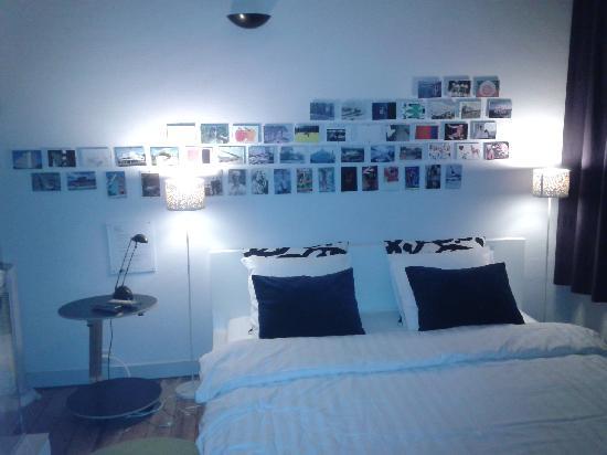Lodging at 8: notre confortable chambre pour la nuit