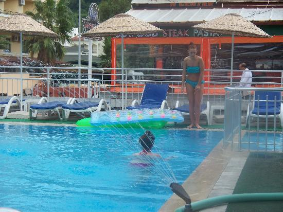 Kapmar Hotel : pool a bit cold